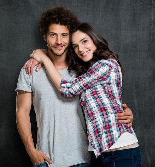 Schüchternheit überwinden und selbstbewusst flirten Bild: Rio@fotolia.com